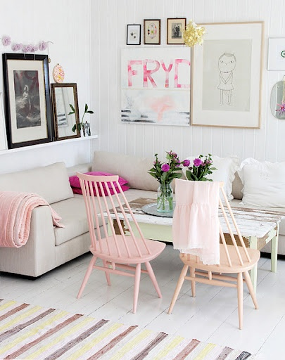 Pink and white living room decoration.