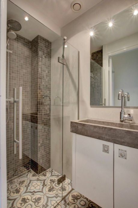 25 beste idee n over betonnen douche op pinterest beton badkamer douche en badkamer inspiratie - Badkamer beton wax ...