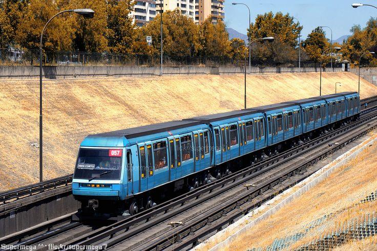 Metro de Santiago | Neptuno - Pajaritos (L1) | Alstom NS-93 (N2057)