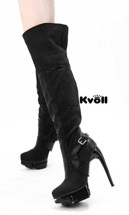 Toc inalt de 14 cm si platforma comoda de 4 cm, ambele cu un design deosebit, conform ultimelor tendinte;  Brand Kvoll, disponibile pe negru