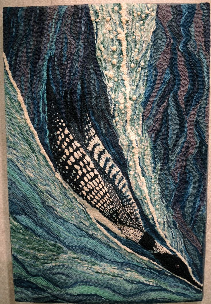 Hooked Rug - Diving Loon - Love these colours, the flow, etc - beautiful!