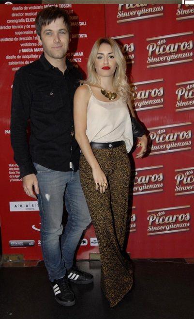 """Lali Esposito y Benjamin Amadeo en estreno de la obra de teatro """"Dos Pícaros Sinvergüenzas"""""""