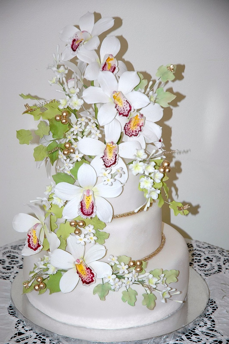 Cake Decorating With Gumpaste Flowers : 17 Best images about Edible Art on Pinterest Chocolate ...