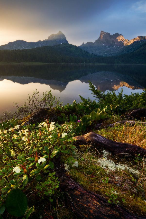 Svetloe lake, Ergaki Nature Reserve, Krasnoyarsk region, Siberia, Russia