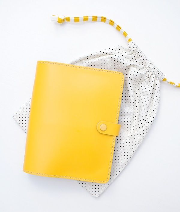 Filofax Original A5 | MessyJesse - @Kate Thirkill you need a yellow one like this! Totally makes me think of you