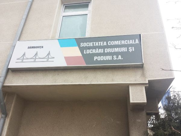 """S.C. Lucrări Drumuri și Poduri Dâmbovița S.A. organizează in data de 11.09.2017, ora 12:00, licitație competitivă avand ca obiect ,, Prevenirea și combaterea înzăpezirii drumurilor județene , prevăzute în Anexa 1, în perioada 2017-2020"""" și în condițiile convenite în prezentul acord:  Lot 1 - Zona Dobra – Cornățelu – Crevedia, L=94,17 km Lot 2 - Zona Moroieni – Padina, L= 59,97 km Lot 3 – Zona..."""
