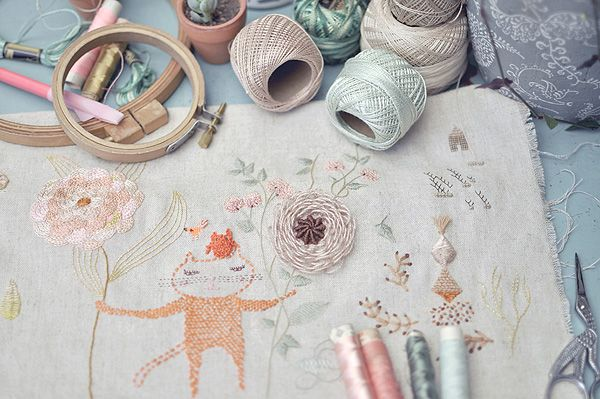 Cat in my gardenPink Flower, Heart Handmade, Crafts Ideas, Hands Embroidery, De Pan, Pastel Colors, Migas De, Crafts Supplies, Inspiration Workspaces