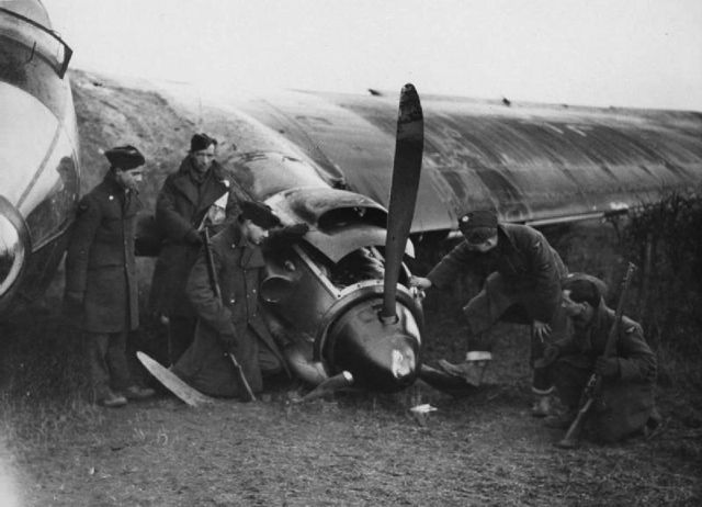 S/L Andrew D Farquhar of No 602 Squadron RAF loosed off 625 rounds at He 111H-3 1H+EN of 5/KG26 in Spitfire Mk I LO-A over the Firth of Forth at 12.00 on 9 February 1940. With smoke pouring from its port engine, the enemy pilot, Uffz Helmut Meyer, headed for the coast. Despite damage sustained in the forced landing at Rhodes Farm, North Berwick Law, the bomber was made airworthy at RAF Turnhouse and flown to the RAE Farnborough for evaluation and test flying.