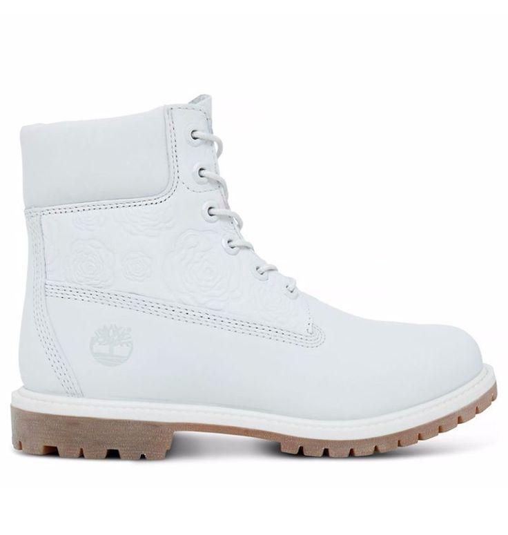 Réf : A1KSA Imperméables, luttant contre la fatigue plantaire et le froid, les Boots pour Femme Timberland Icon 6-inch Premium en couleur blanche ne manquent pas d'arguments pour faire valoir leur statut haut de gamme. De plus, elles sont fabriquées dans un cuir très robuste, émanant d'une tannerie certifiée Argent par le LWG.