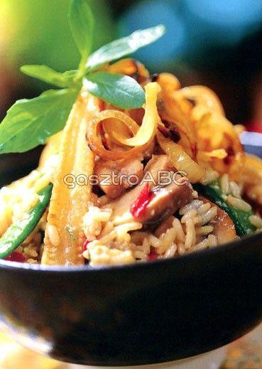 Tojásos sült rizs zöldségekkel és ropogós hagymával   Receptek