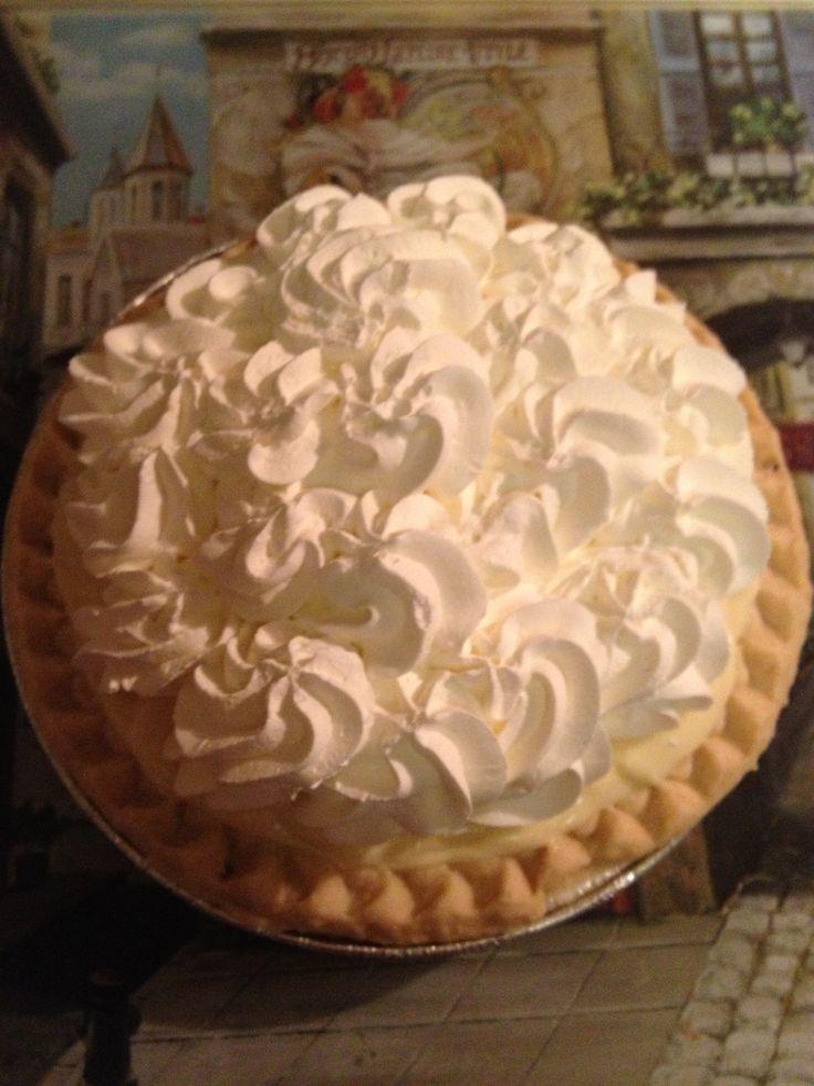 Delicious Banana Cream Pie :)