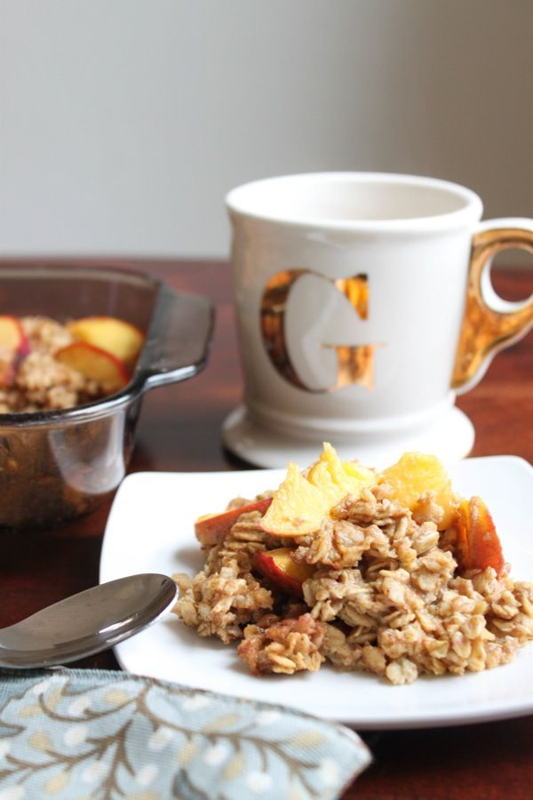 Vegan peach baked oatmeal. Make in advance and freeze in portions for a quick and healthy breakfast during the week!