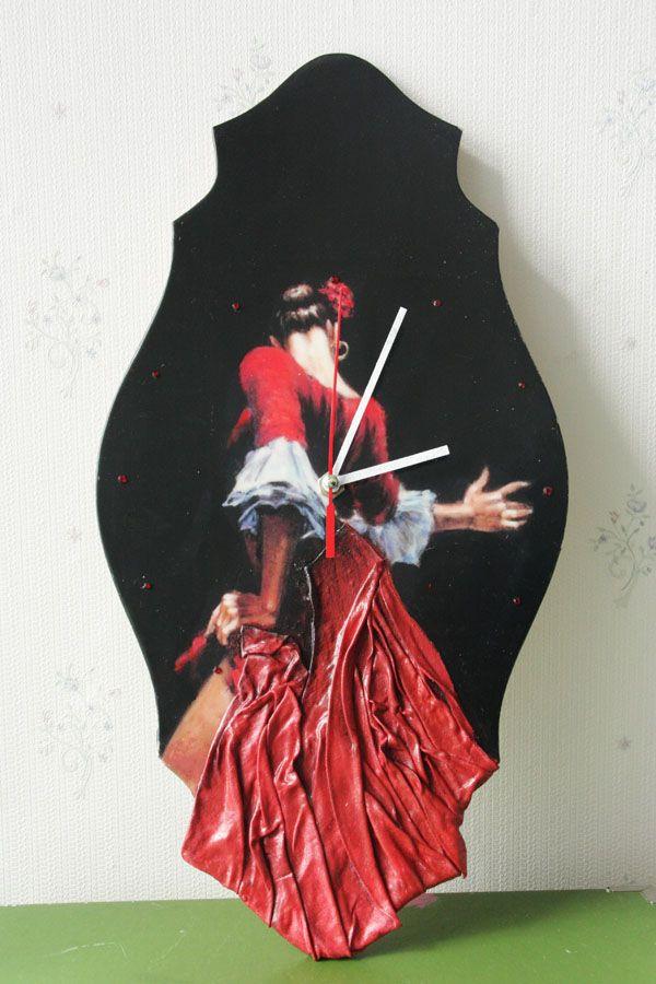 "Часы "" Танец Страсти» http://dcpg.ru/blogs/5029/ Click on photo to see more! Нажмите на фото чтобы увидеть больше! decoupage art craft handmade home decor DIY do it yourself clock Materials and techniques: print acrylic paint varnis fabric etc."