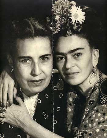 Frida Kahlo com Guadelupe Marin, também uma mulher de Diego Rivera e mãe de seus dois filhos mais novos.