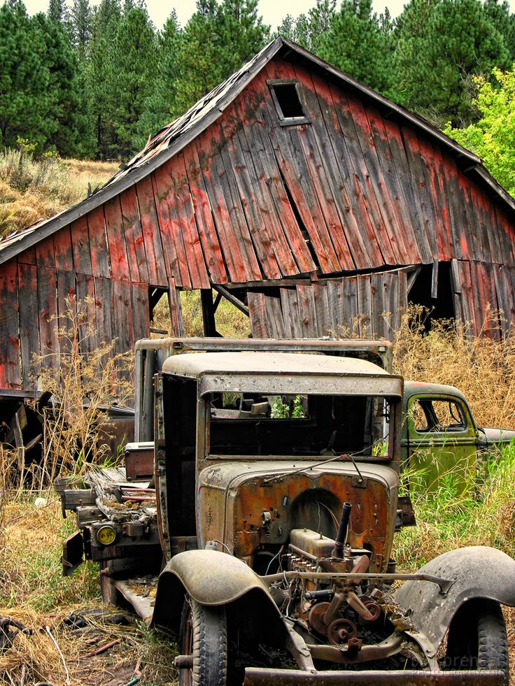 Abandoned Farm Trucks and Barn in Washington