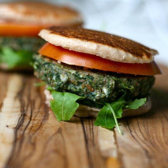Spinach and Farro Veggie Burgers. High in protein, vegetarian, vegan, healthy, and delicious!