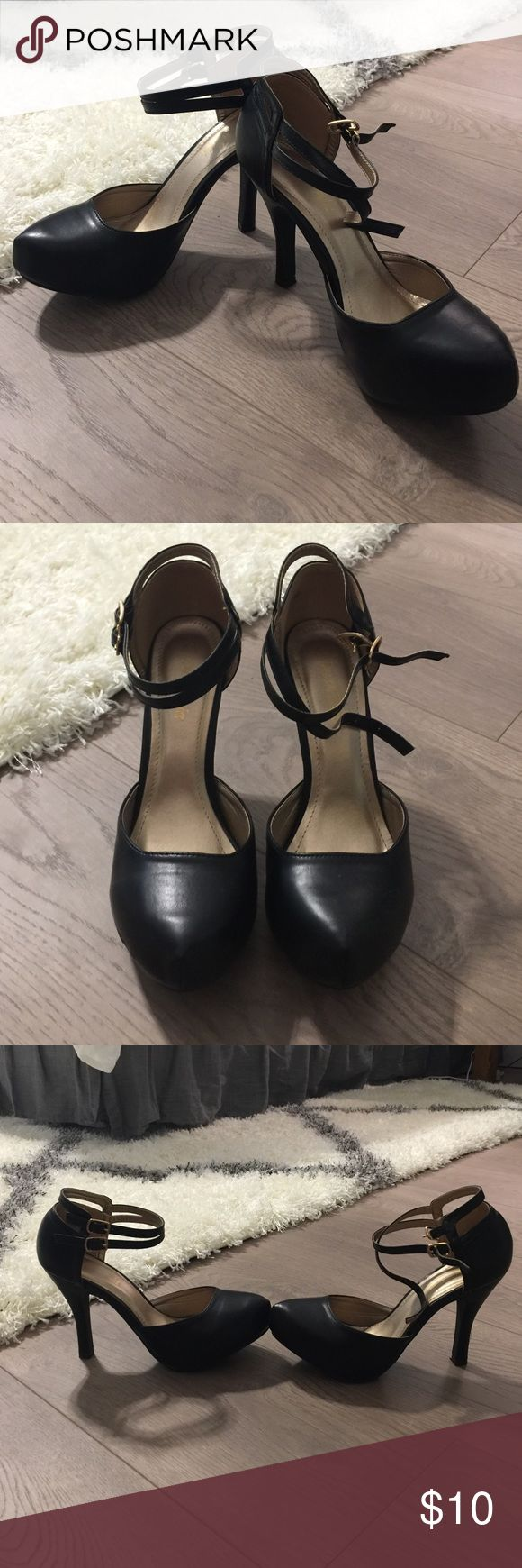 Black Mary Jane Heels 8.5- worn once- comfy and cute! From Amazon dinah pairs Shoes Heels
