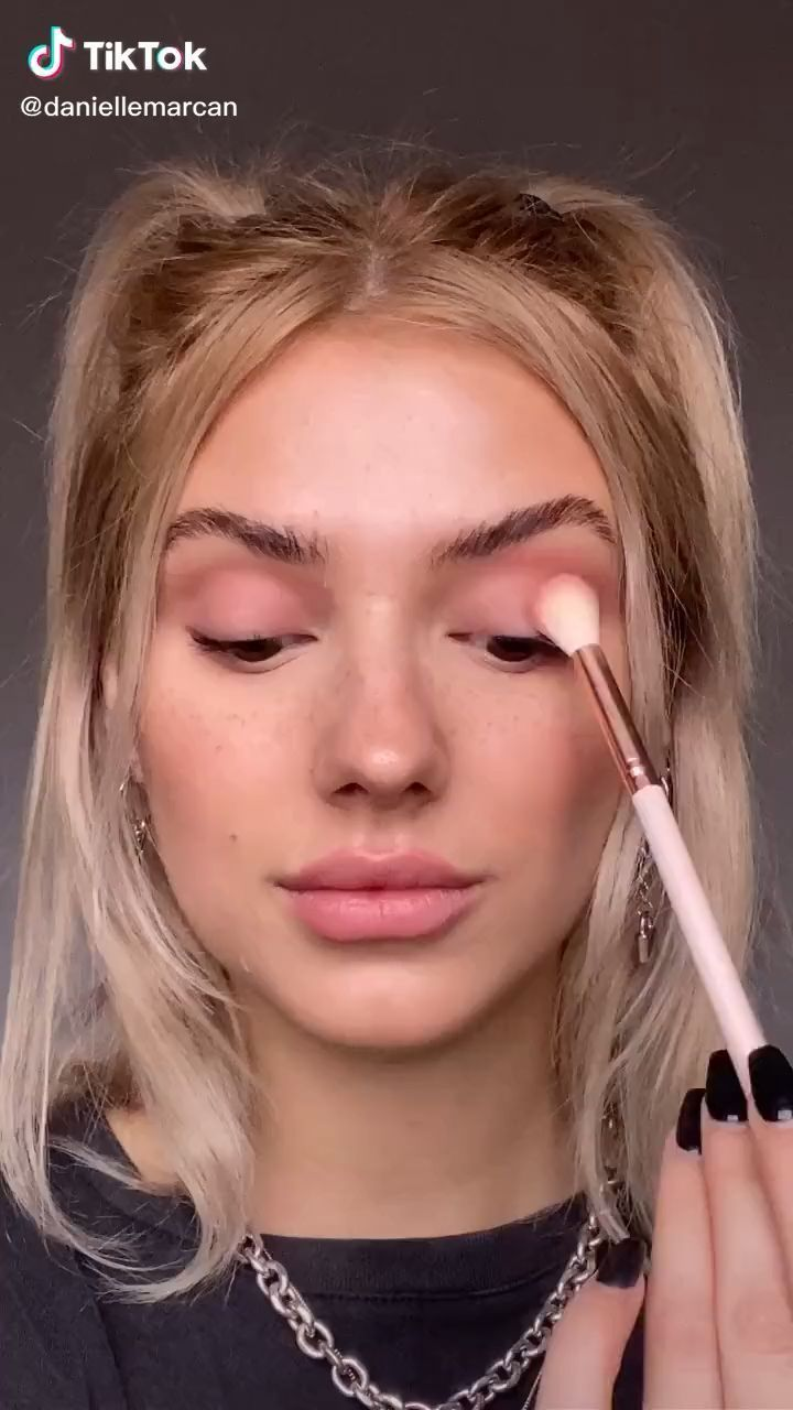 7 Tiktok Makeup Trends You Need To Try V Magazine In 2021 Eye Makeup Makeup Inspiration Makeup Tutorial