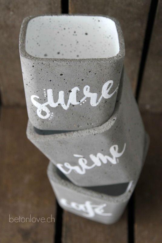betonlove ist ein blog das sich rundum um das thema beton dreht. ob materialvorstellung, kurse, arbeitstechnik oder einfach schöne betonaccessoires.. viel spass.. denn beton macht glücklich!!
