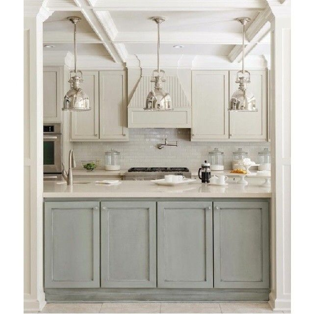 Кухня. Интерьер кухни. Светлая кухня. Современная классика. Soft colors kitchen. Transitional style kitchen. Blue and white kitchen