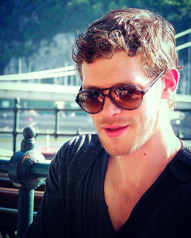 "1,201 Likes, 12 Comments - Joseph Morgan Italy ⚜️ (@josephmorgan.it) on Instagram: ""+ How perfect he is  • • #theoriginals #josephmorgan #klausmikaelson #tvd #night #me #TagsForLikes…"""