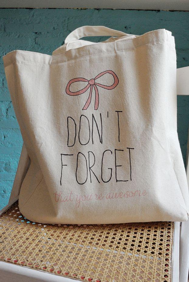 the lovely apartment: Bolsas de tela pintadas... un DIY fácil!!
