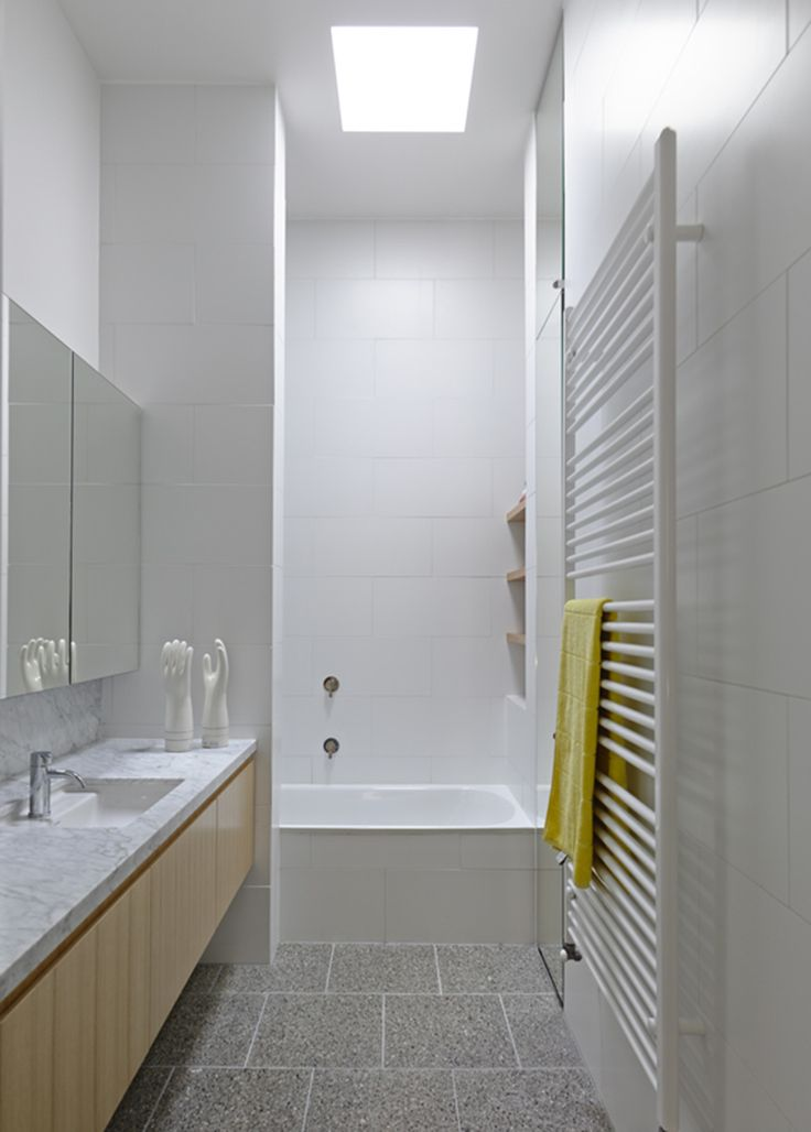 http://estmagazine.com.au/wp-content/uploads/2015/03/Est-Magazine-Kennedy-Nolan-Bathroom.jpg