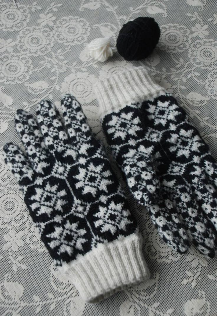 299 best Mittens and Gloves--Knitted images on Pinterest | Knit ...