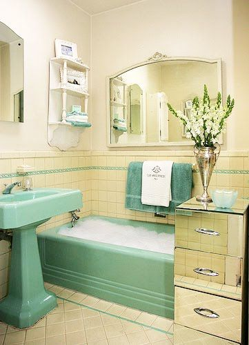 Mod Vintage Life: Vintage Tile Bathrooms