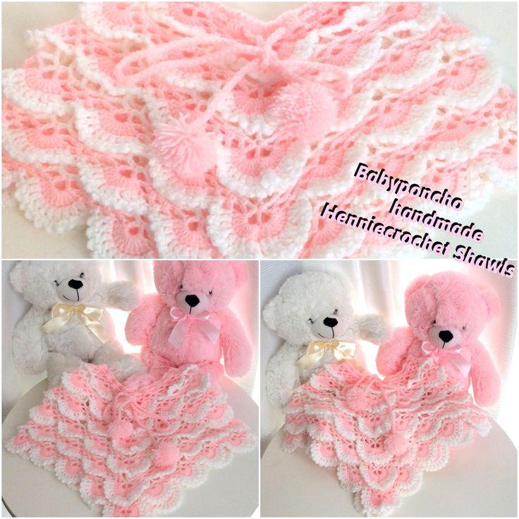 Baby 👶 poncho gehaakt kan ook  op bestelling vanaf 17.50 voor baby's  van 0 tot 1 jaar. Stuur mij een bericht. Leuk voor een baby shower, of kraamcadeautje. Crochet lovely babyponcho and very soft material.