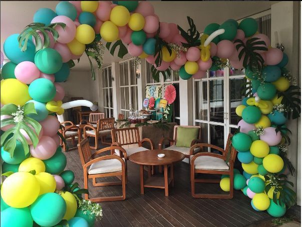 205 best balloon arches images on pinterest balloon for How to build a balloon arch