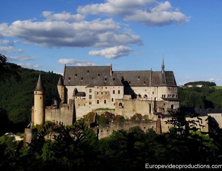 Mittelalterliche Burg Vianden in den Ardennen von Luxemburg                                                                                                                                                                                 Mehr