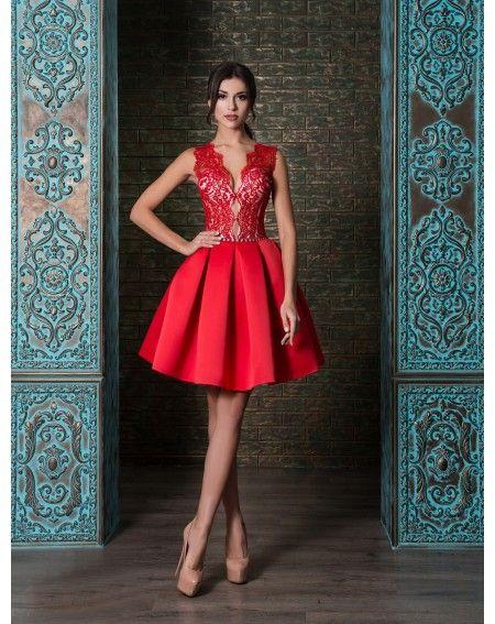 Luxusné spoločenské šaty na predaj a na prenájom s čipkovaným vrškom