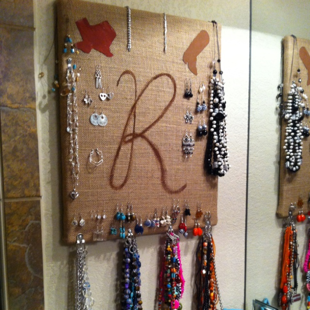 Diy jewelry holder hanging in bathroom so i can grab for Bathroom jewelry holder