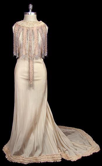 Dress    1930s    The Frock  future wedding dress ? maybe so (: lol
