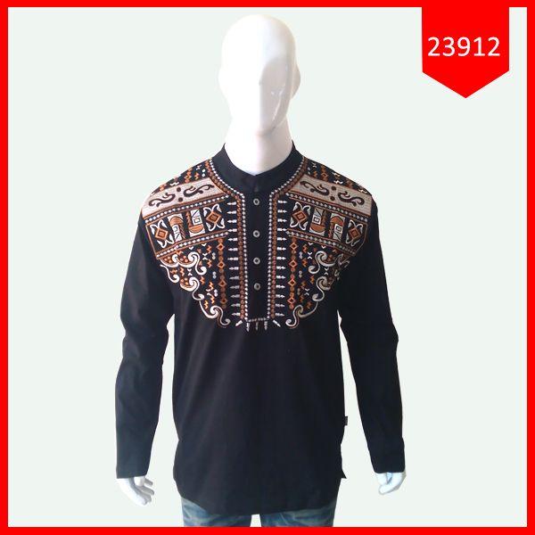 Baju Koko Pria Fayyadh ZhafarBaju Koko Pria Fayyadh Zhafar Kode : 23912 Harga : 62.900 Size : Ld= 52 cm, P= 73 cm, PL= 47 cm ( Fit To L ) Bahan : Cotton ( Bahan nyaman, lembut, hangat dipakai )