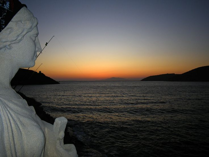 Sunset and sun sphinx in the bay of Katapola-Amorgós (Grecia) by Pas Ibañez