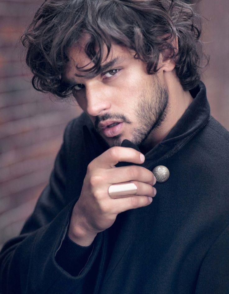 Marlon Teixeira Appears in El Palacio de Hierro Fall/Winter 2013 Catalogue