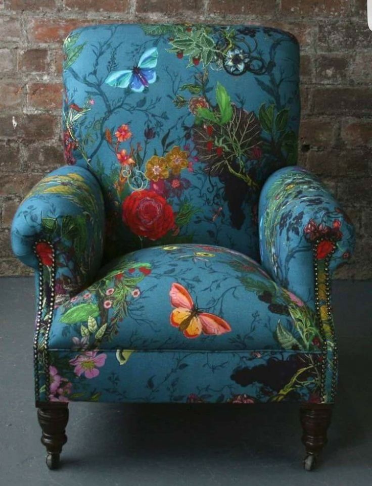Chair •~• blue floral whimsy. Magical!