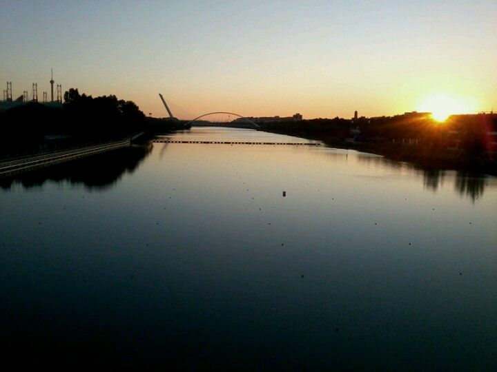 Río Guadalquivir en Sevilla, Andalucía