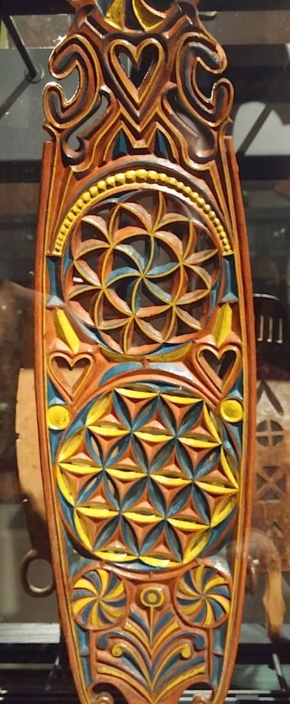 Distaff blade made for bridal gift. Flower of Life and six petal rosette motif came from Western Europe via Sweden to the costal Finland. Decoration was meant for good luck and fortune. Finland, 1700 - 1800 AD.