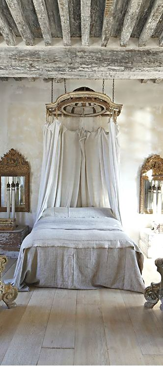 Antique Bedroom Furniture / Beds: