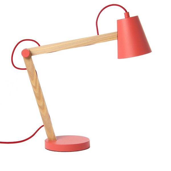 Lampa de birou Play Red Matt Nature aduce un suflu nou oricarui birou! Descopera mai multe corpuri de iluminat pe www.somproduct.ro/iluminat #iluminat #inspiration #red #SomProduct #office #happyliving #lighting #design