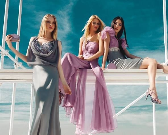 Cady grigio, #georgette #rosa e ricami preziosi per l'esaltazione della romanticità! A destra abito lungo con corpino in paillettes sfumate, al centro abito asimmetrico con corpino drappeggiato, a sinistra tubino con corpino drappeggiato e volant.  Sandali e pochette in raso e glitter rosa della collezione #FabianaFerriShoes & Bags S/S 2014 #woma #spring2014 #pink #grey #specialevent #fashion #dress