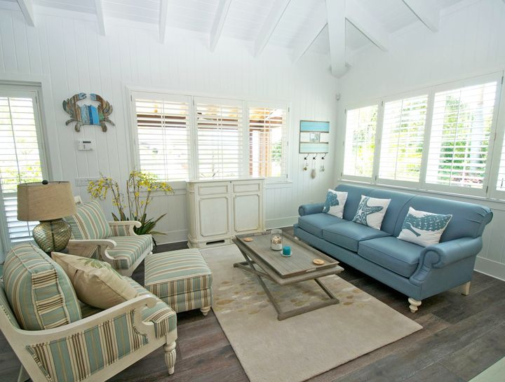 Beach house family room decorating ideas - House interior