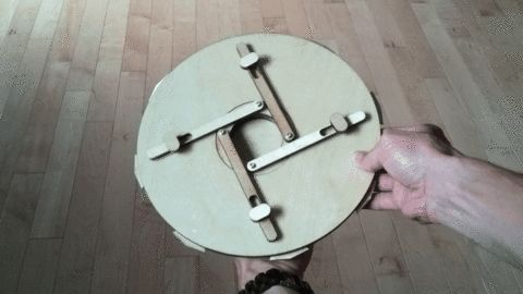 Mecanismo de cerradura fácil. Simple vault mecanism. vault.gif