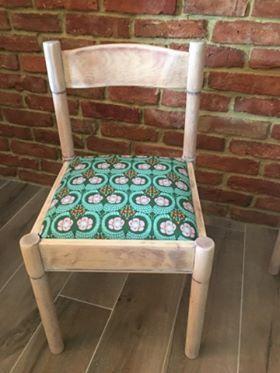 Metamorfoza krzesła, którą przeprowadziła pani Eliza z pomocą tkaniny z kolekcji Violette zaprojektowanej przez Amy Butler