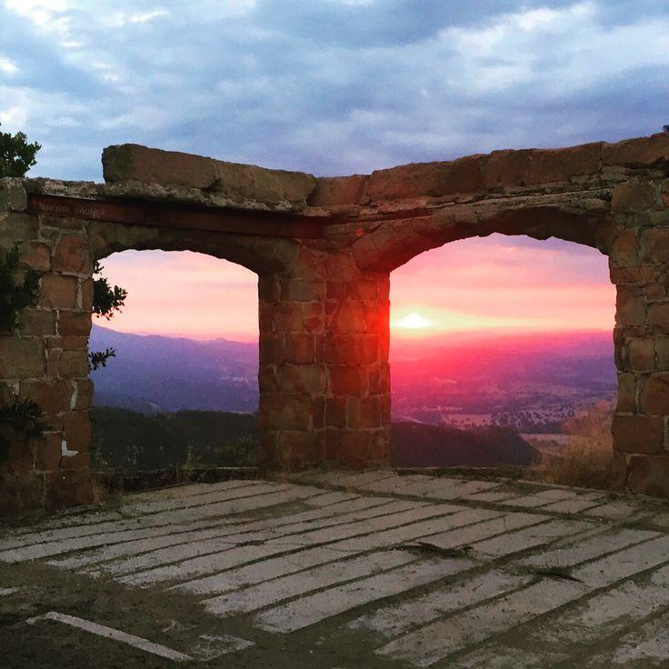 On El Camino Cielo is Knapps Castle