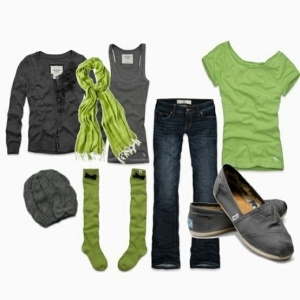 love the color combo: Toms, Shoes, Green And Gray, Color Combos, Clothing, Outfit, Socks, Styles, Limes