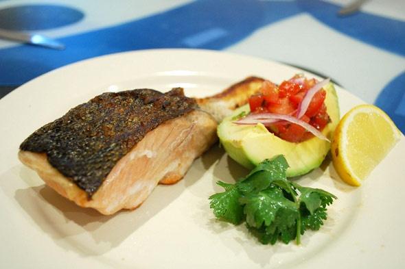 Google Image Result for http://www.blogcdn.com/www.slashfood.com/media/2010/12/sustainable-seafood-grilled-salmon-590.jpg